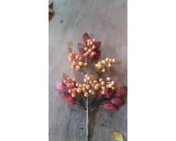 Ветка с ягодами искусственная 45см красный 5500010301084